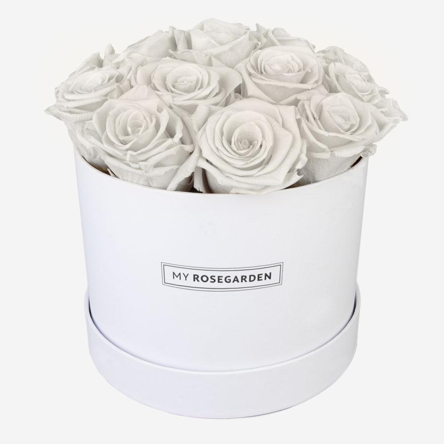 16 weiße Infinity Rosen in weißer Rosenbox